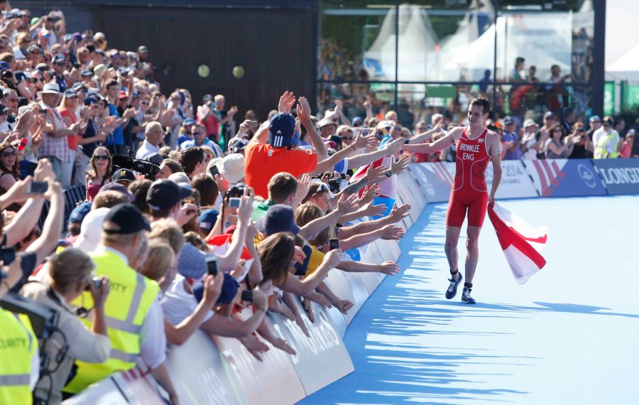 Alistair Brownlee England Triathlon winner at The Commonwealth Games