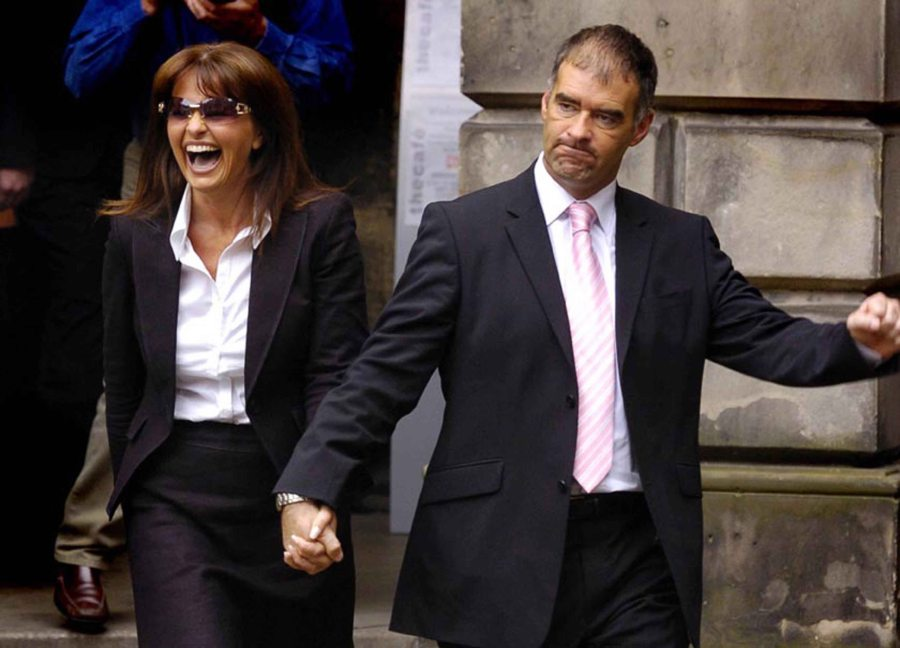 Tommy Sheridan with wife Gail at Edinburgh High Court.